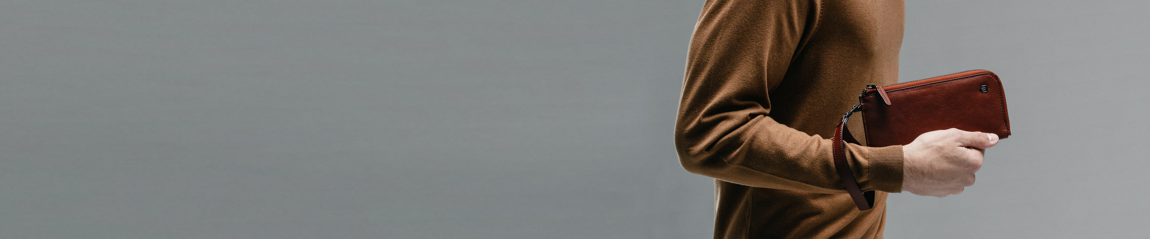 Pochette mit Handschlaufe