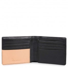 Men's wallet with eight credit card slots